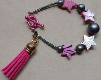 Hot Pink Seashell and Gunmetal Pearlized Glass Beaded Bracelet with Pink Toggle and Tassel Bracelet