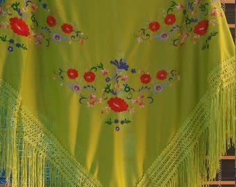 Flamenco LIME GREEN shawl ( pico ) with multicolor embroidered design - manton bordado -