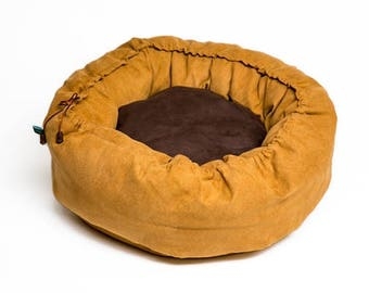 Basket for pets, about - Ø 100 cm, heated with grains pillow