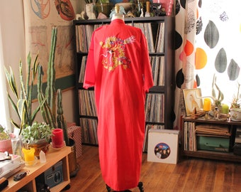 as is sale vintage embroidered dragon robe . traditional Chinese style by Daffodil . unisex mens robe fits most