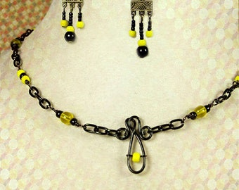 Black yellow choker matching earrings, casual chain necklace, comfortable earrings, ready to ship