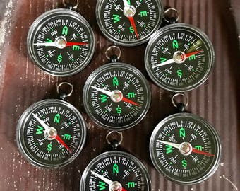 SALE 7 Vintage COMPASS Jewelry SUPPLIES Steampunk Assemblage Curiosity Cabinet Plastic Dime Store Toy Kitchy Pendant Oddity Camping 1A