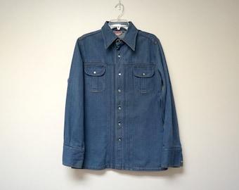 Brittania Sportswear . 70s blue denim light jacket / shirt . large