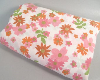 Vintage full sheet, full flat sheet, double sheet, pink daisy, mid century modern, flower power, pink and orange sheet