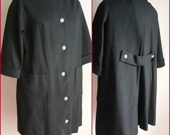 Vintage 60s Stroller SWING Coat / Black White CHECKERBOARD Buttons / size 6 8 10 / Wool Deep Pockets Short Sleeves MOD