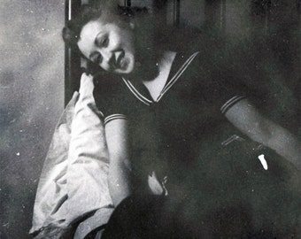 vintage photo 1940 Darling Sailor Girl Coy Look in Bed Sweet Face Snapshot