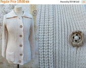 ON SALE 20% Vintage 1970s/ 1980s  Knit Cardigan with large Collar  Women's Size S/M/L