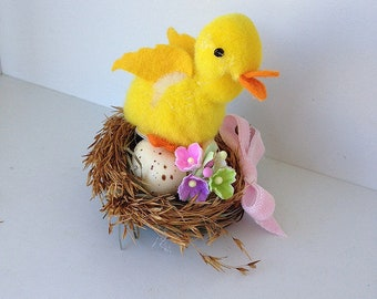 Easter Decoration Vintage Pom Pom Duck in a Nest Easter Ornament TVAT