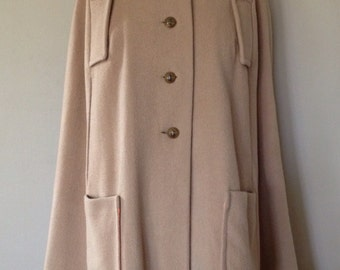 Vintage 60s Camel Cape with Collar and Pockets 100% Wool