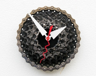 recycled bike Clock, Bike Gear Clock, bike parts clock, cyclist gift, boyfriend gift, bicycle parts gift, unique repurposed bike clock,cycle