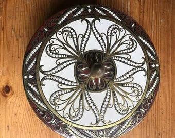 """vintage geometric daher  tin great for sewing crafts teas herbs 6 1/2  inches in diameter x  2 1/2 """""""