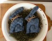 Primitive Easter bunny rabbit bowl filler tucks blue