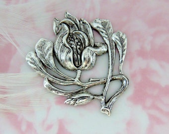 ANTIQUE SILVER * Flower ~ Victorian Iris Flower Stamping ~ Jewelry Floral Findings (FB-6025)