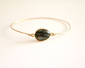 Labradorite Stacking bangle Gold green grey iridescent bangle Vitrine Gift for her Under 50