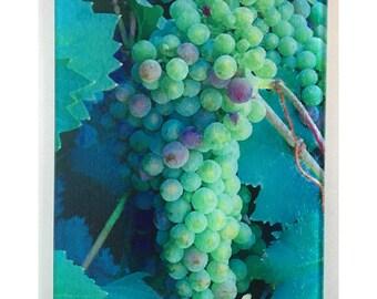 Green Grapes glass cutting board, wine grapes cutting board, chardonnay grapes, grapes art,glass art, grapes glass art, wine lovers trivet