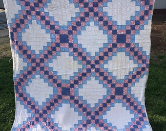 Vintage Well Loved Colorful Ocean Waves Kentucky Made Quilt Adorable Animal Print Backing