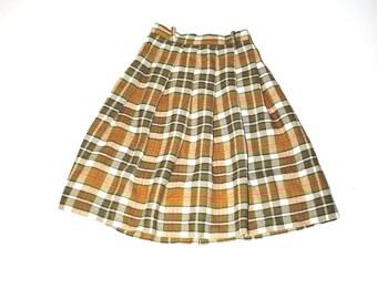 vintage school girl plaid wool skirt 1950s 50s vintage mid century green plaid short skirt small