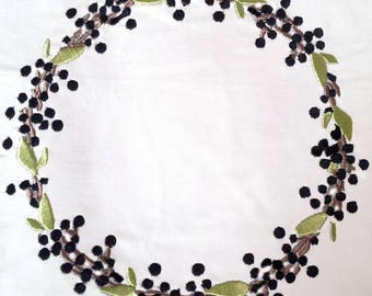 WREATHS in 2 SIZES .  Machine embroidery designs