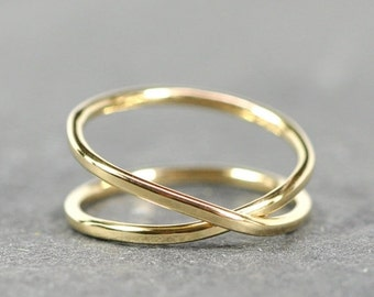 Solid Gold Infinity Ring, 18K Recycled Gold Hand Forged Ring, Unique, Sea Babe Jewelry