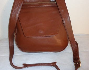 TravelSmith cross-body hipster bag in rusty brown pebbled buttery genuine  leather made in Bolivia vintage early 90s pristine near mint cond