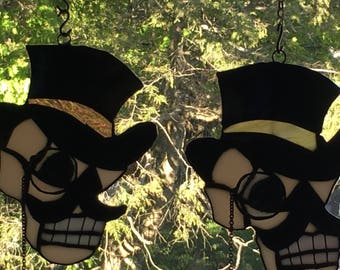 Steampunk skull tophat monicle stained glass