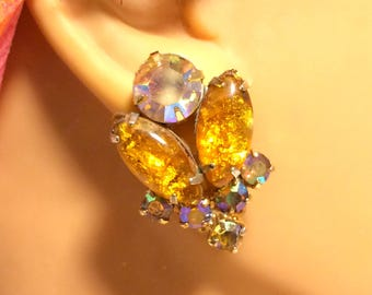 Vintage Foiled Art Glass Clip On Earrings In Gold and Aurora Borealis Colors. A Very Pretty Design Similar to Juliana. 1 Inch Long. (D13)