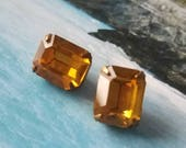 Vintage buttons 2 matching topaz solitaire rhinestone style metal setting emerald cut - 1950's  (apr  324 17)