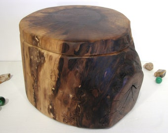 Black Walnut Tree Branch Wooden Box, keepsake box, cremation urn, valet box, wooden jewelry box, wood art, 5th wedding anniversary