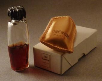 Vintage OBERON Une CARESSE Perfume Paris France app 3X1X1in Original FLACON in box semi full