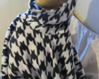 Black and White Houndstooth Print Fleece Cowl Neck/Hooded Poncho