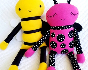 Bumble Bee and Ladybug Softies Fleece Sewing Pattern - Soft Fleece Toy Animal Pattern Tutorial for Babies, Girls & Boys - PDF e-pattern
