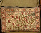 Vintage embroidered Norwegian cloth purse