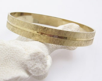 Vintage Gold Bangle Bracelet Textured Striped Jewelry B7573