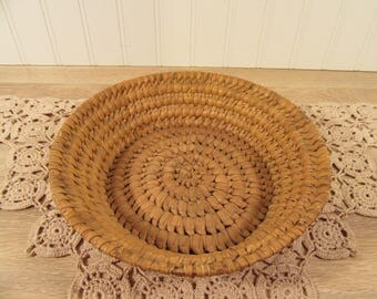 Nice antique round woven basket- good vintage condition, nice home decor, rustic and old