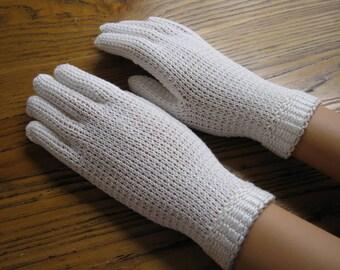Vintage White Knit Gloves , Size XS , Church Gloves, Vintage Gloves, Short Gloves, Retro Fashion, White Gloves, Children's Gloves
