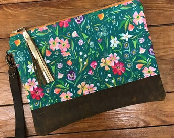 Linen & Rustic Leather Clutch: Turquoise Flowers
