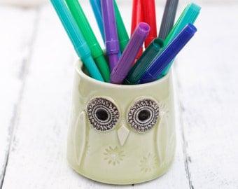 light green owl pot