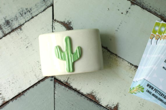 Cactus card holder in white