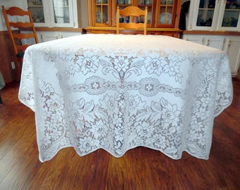 Vintage Lace Overlay or Lace Tablecloth Creamy White Floral Pattern 62 X 77 Inches SVFT ECS