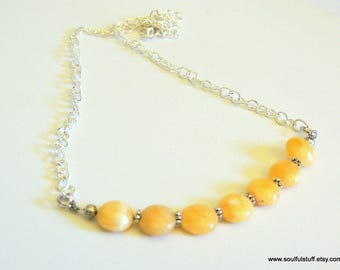 Honey Calcite Necklace, Bib Necklace, Yellow Gemstone, Handcrafted Jewelry, Spring Jewelry, Minimalist Jewelry