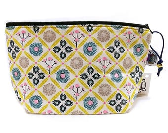 Zippered NOTIONS BAG with zipper pull - Woven Floral