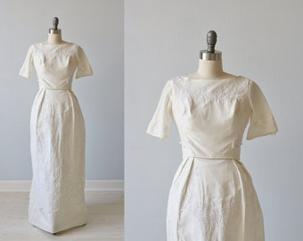 1960s Wedding Dress / Sheath Wedding Dress / Short Sleeves / A -Line / Elegance