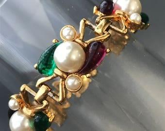 Vintage Bracelet  . Poured Glass  . Costume jewelry