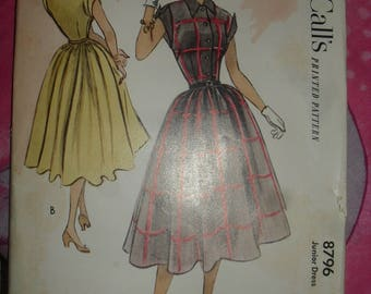 Vintage McCalls  Sewing Pattern - Jr Dress w/h Flair Skirt  - 1940s - # 8796