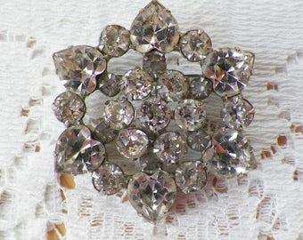 Beautiful Vintage Signed Weiss Clear Rhinestone Brooch / Pin / Broach, Heart Shaped Rhinestones, Vintage Bride / Bridal, Silver Tone Metal