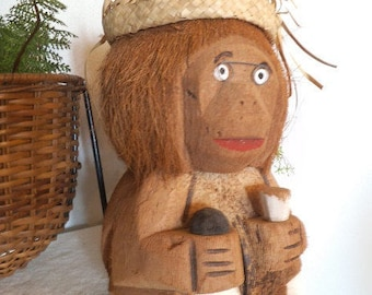Vintage Carved Coconut Monkey ~ Coin Bank ~ Kitsch ~ Party decoration ~ Belize Rhum