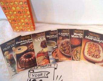 Set of 7 Vintage 1982 Betty Crocker's Picture Cookbook Golden Cook Books In Original Box