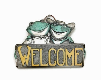 Vintage Welcome Sign - Whimsical Frog Husband & Wife - Wooden