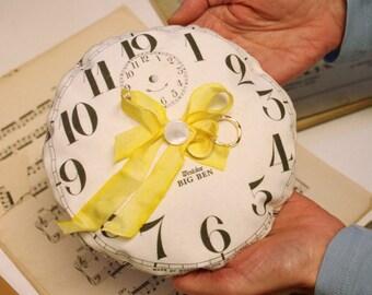 Lavender filled clock sachets
