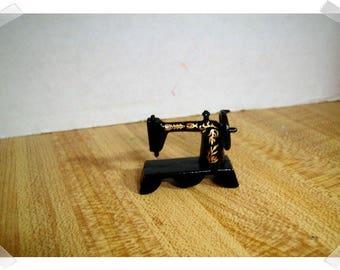 Black Sewing Machine/ Miniature/ Fairy Garden Supplies/Craft Supplies*